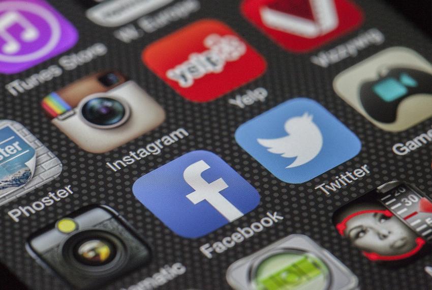 Invloed van Google, Facebook en Twitter op de cryptomarkt